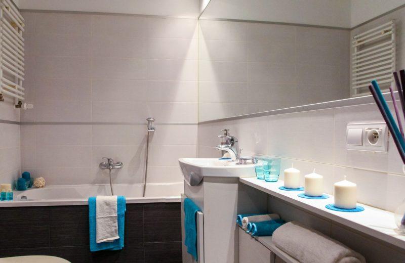 Apporter une touche de décoration à sa salle de bain